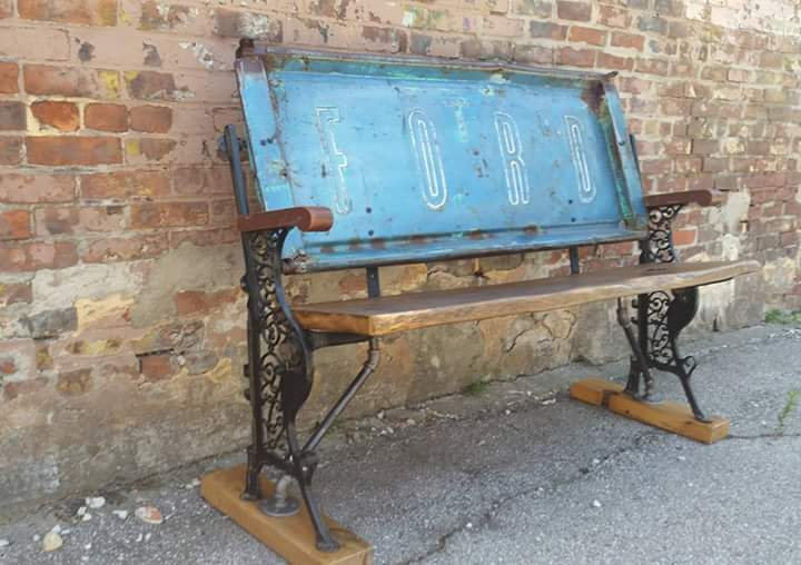 Ford Tailgate Bench - 4